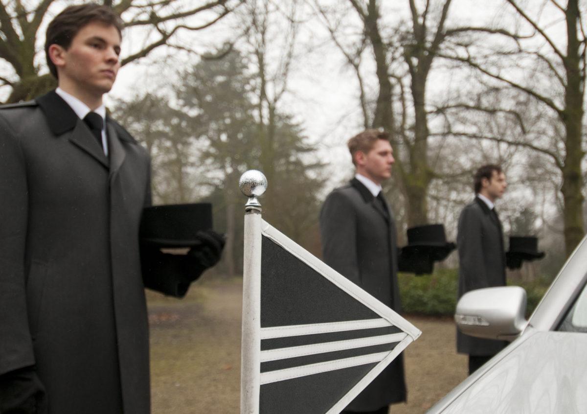 Begrafenisondernemer worden: van drager tot een ei...